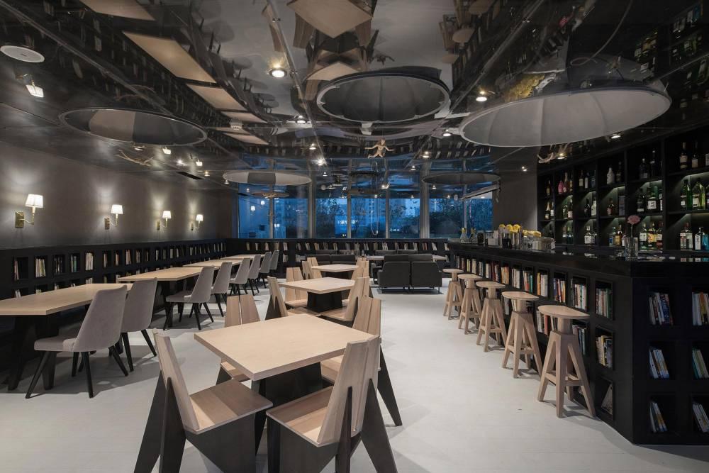 the-wheat-youth-arts-hotel-li-xiang-binjiang-district-hangzhou-zhejiang_dezeen_2364_col_43