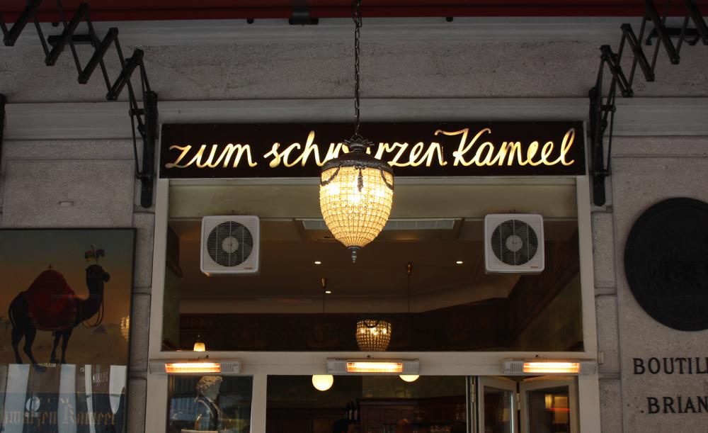 Vienna-Sign-Tour-Schwarzes-Kameel