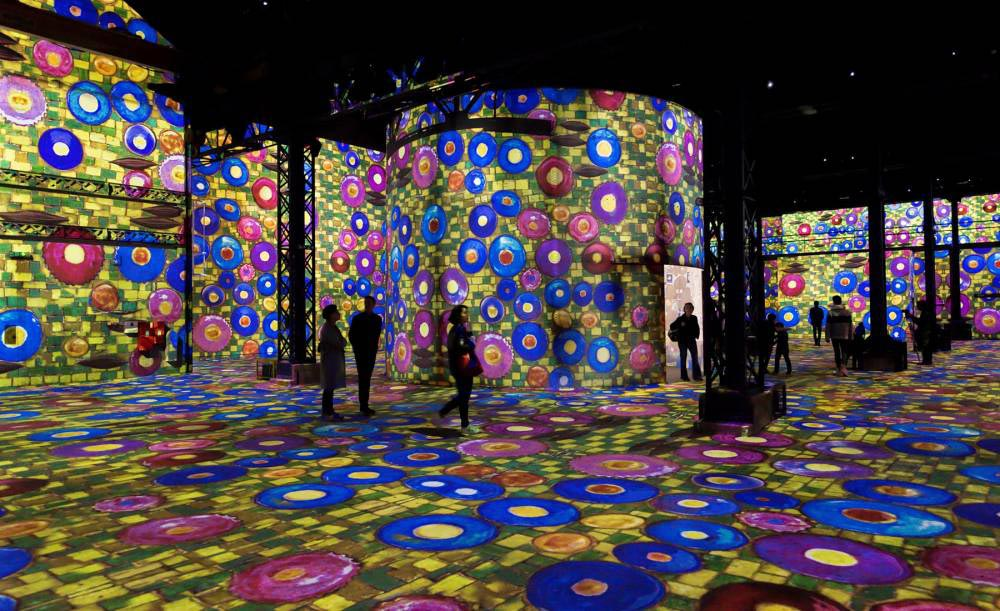 digital-art-museum-paris-atelier-de-lumiere-4
