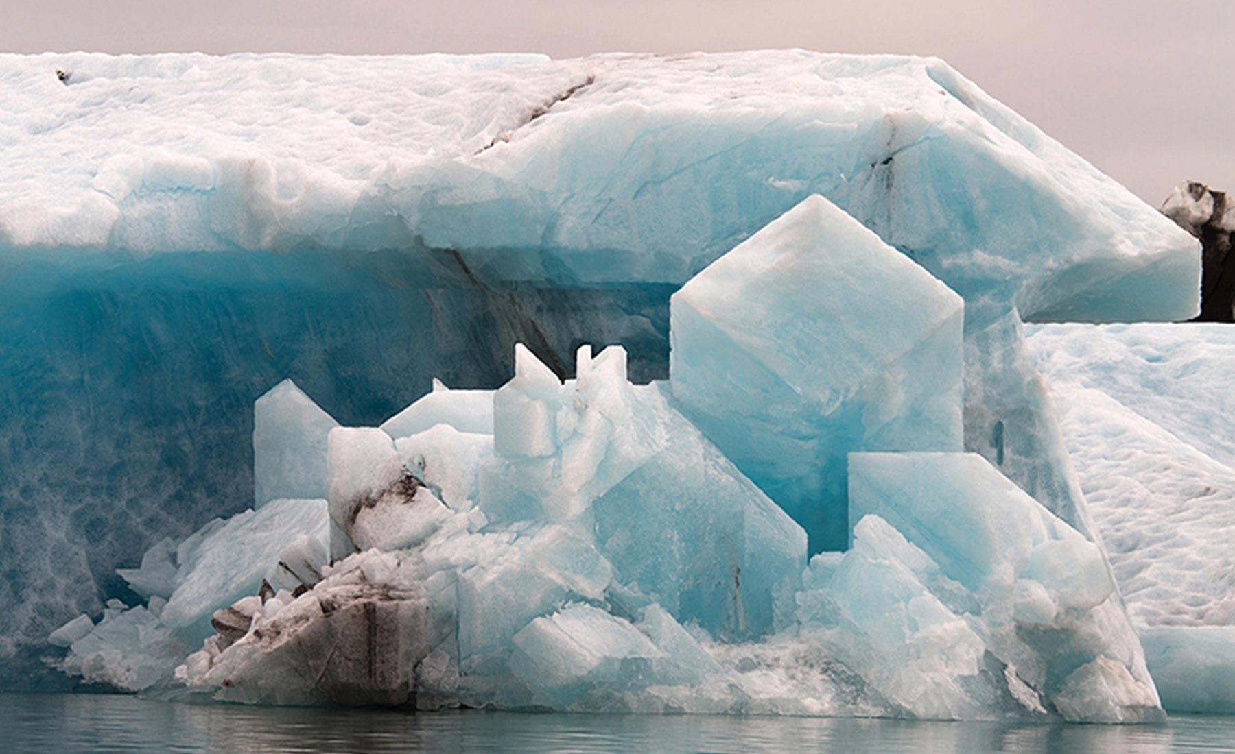 hugo-livet-geometrical-icebergs-04
