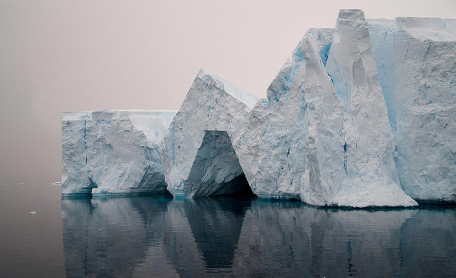 hugo-livet-geometrical-icebergs-05