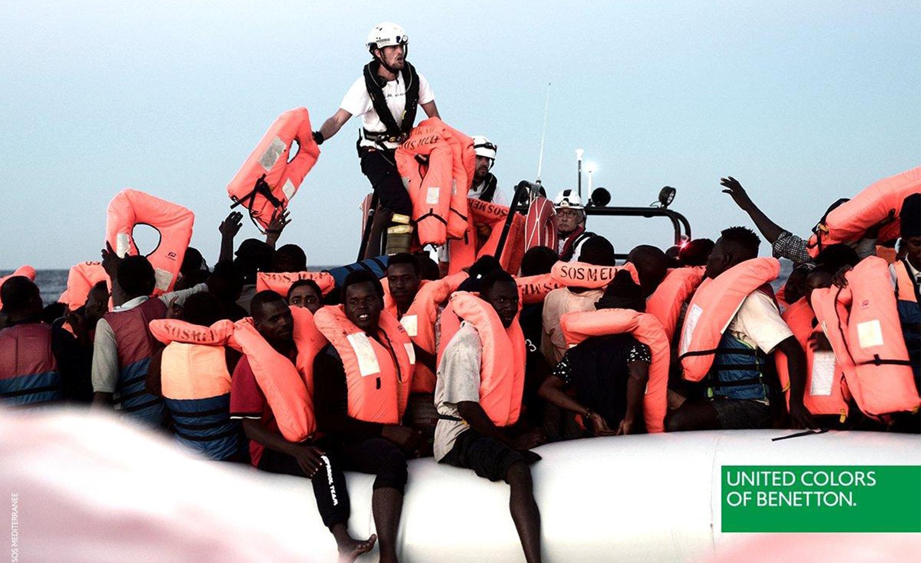 toscani-advertising-refugee-boat